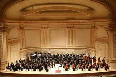 Симфонический оркестр Shen Yun перед концертом в Карнеги-Холл, Нью-Йорк, 5 октября 2013 г. Фото: Christian Watjen/Великая Эпоха (The Epoch Times)