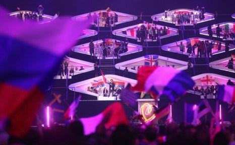 Фоторепортаж о победителях  «Евровидения-2011»  Элле и Ники  из Азербайджана, получивших Хрустальный микрофон.  Фото: Sean Gallup/Getty Images