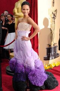 ФОТОРЕПОРТАЖ. 82-я церемония вручения «Оскара». Актриса Зои Солдана. Фото: Alberto E. Rodriguez/Getty Images