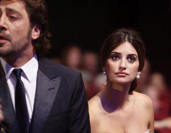 Актриса Пенелопа Крус с супругом Хавьером Бардемом. Фото: VALERY HACHE/AFP/Getty Images
