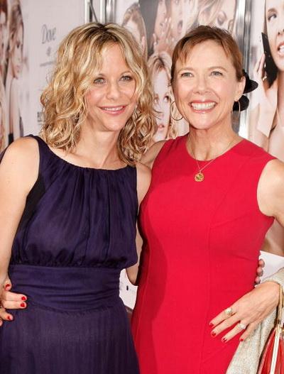 Актрисы Мег Райан и Аннет Бенинг на премьере фильма «Женщины» в Вествуде, Калифорния. Фото: Kevin Winter/Getty Images