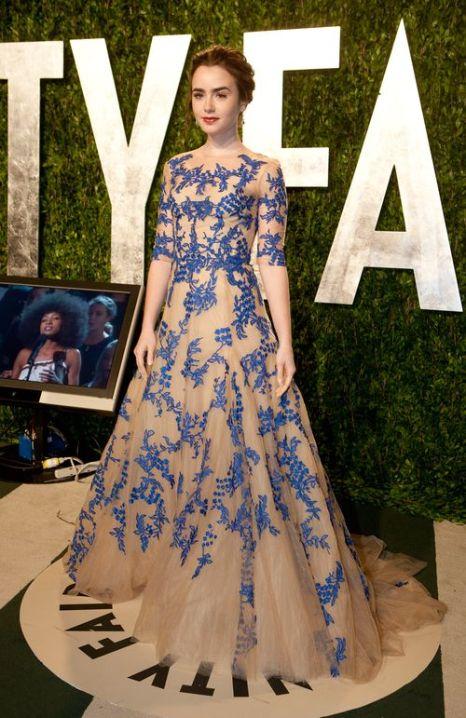 «Идеи для платья к выпускному от кинозвезд». Лили Коллинз. Фото: ADRIAN SANCHEZ-GONZALEZ/AFP/Getty Images