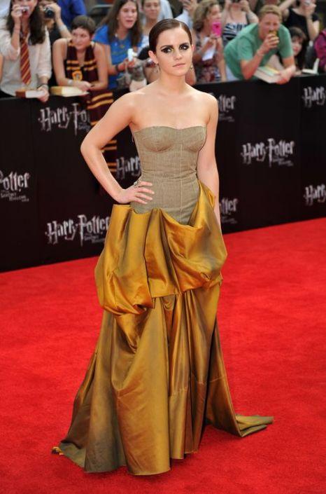 «Идеи для платья к выпускному от кинозвезд». Эмма Уотсон. Фото: STAN HONDA/AFP/Getty Images