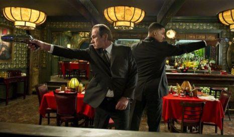 Кадр из фильма «Люди в чёрном 3». Фото с сайта kino-teatr.ru