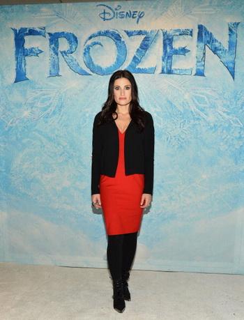 «Холодное сердце». Идина Мензел (принцесса Эльза) на премьере фильма «Холодное сердце» в Нью-Йорке. Фото: Slaven Vlasic/Getty Images