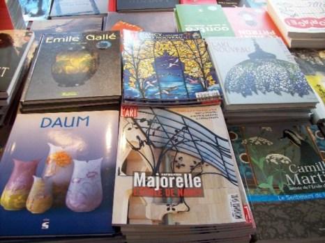 Некоторые книги о современном искусстве школы Нанси. Фото: Susan James