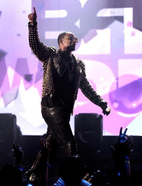 Певец R. Kelly на церемонии вручения премии BET Awards в Лос-Анджелесе 13 июня 2013 года. Фото: Kevin Winter/Getty Images for BET