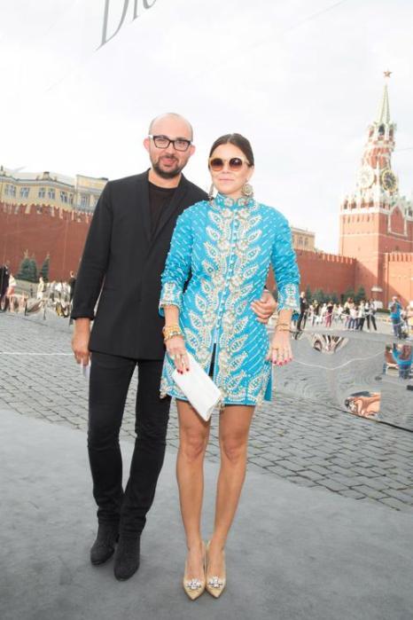 Дизайнер Наталья Туровникова и модный консультант Виталий Козак посетили закрытый показ Christian Dior на Красной площади в Москве 9 июля 2013 года. Фото: Victor Boyko/GettyImages for Dior