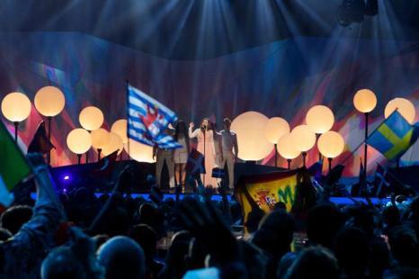 Дина Гарипова выступает в первом полуфинале Евровидения-2013 в Мальмё. Фото: Janerik Henriksson / SCANPIX/AFP/Getty Images