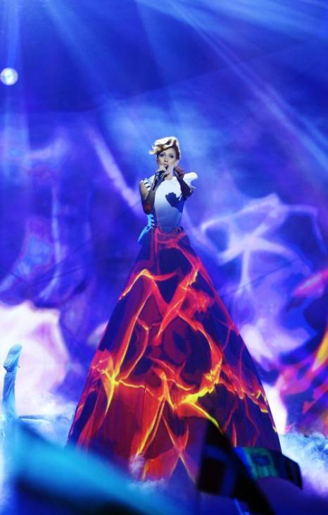 Алёна Мун из Молдавии выступает в первом полуфинале Евровидения-2013 в Мальмё. Фото: Janerik Henriksson / SCANPIX/AFP/Getty Images