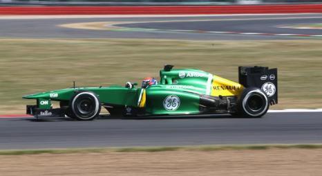 Александр Росси из США за рулём болида Caterham на молодёжных тестах Формулы-1 в Сильверстоуне 17 июля 2013 года. Фото: Mark Thompson/Getty Images