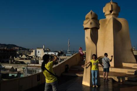 Знаменитая работа Антонио Гауди — «Каса-Мила» или «Дом без углов», внесена в Список Всемирного наследия ЮНЕСКО. 25 июля 2013 года, Барселона. Фото: David Ramos/Getty Images
