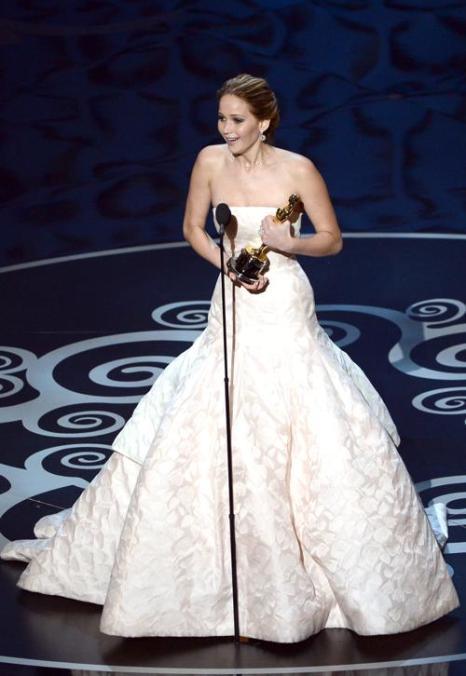 Дженнифер Лоуренс заняла 2 место в списке из 10 самых высокооплачиваемых актрис Голливуда, опубликованном журналом Forbes 29 июля 2013 года. Фото: Kevin Winter/Getty Images