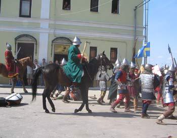 Сошлись две рати, зазвенели мечами конные воины. Фото: Татьяна Серебрякова/Великая Эпоха