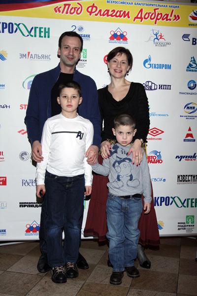 Помощник президента Российской Федерации Аркадий Дворкович с семьей. Фото предоставлено PR агентством Diamond Group
