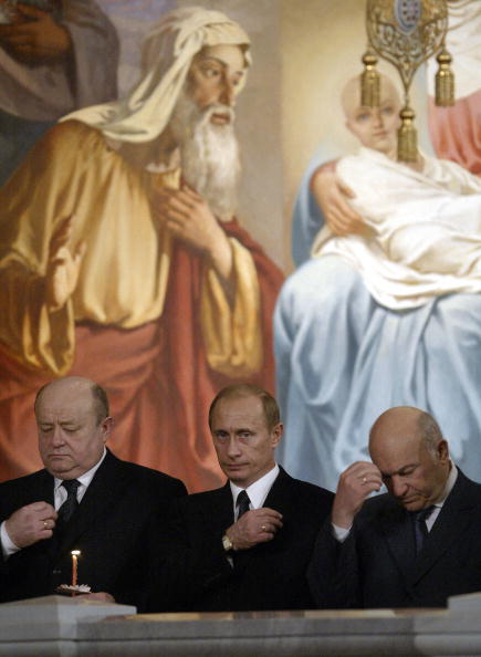 11 апреля 2004 год. Юрий Лужков: биография в фотографиях. Фото: ALEXANDER NEMENOV/AFP/Getty Images