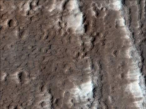 Марс. Гора Аскрийская. Фото: NASA/JPL/University of Arizona