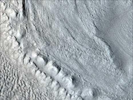 Марс. Марсианский ледник. Фото: NASA/JPL/University of Arizona