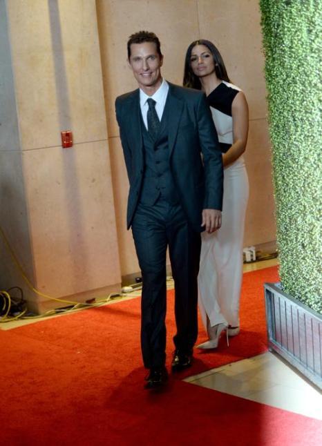 Мэттью МакКонахи и модель Камила Алвес на вручении 17-й ежегодной кинопремии Голливуда Hollywood Film Awards 21 октября 2013 года в Беверли-Хиллз, Калифорния (США). Фото: Jason Kempin/Getty Images