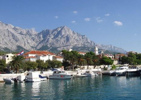 Башка-Вода, Макарская ривьера — курортный регион в южной Далмации, на Адриатическом побережье Хорватии. Фото: Dreizung/commons.wikimedia.org