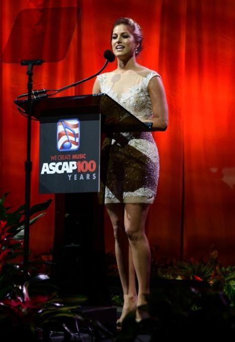 Певица Кэсседи Поуп выступила на 51-й церемонии награждения лучших исполнителей музыки кантри премией ASCAP в Нэшвилле 4 ноября 2013 года. Фото: Michael Loccisano / Getty Images