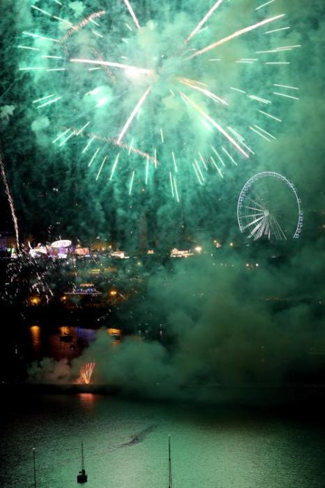 Ежегодный британский чемпионат фейерверков начался в Плимуте (Англия) 13 августа 2013 года. Фото:  Matt Cardy/Getty Images