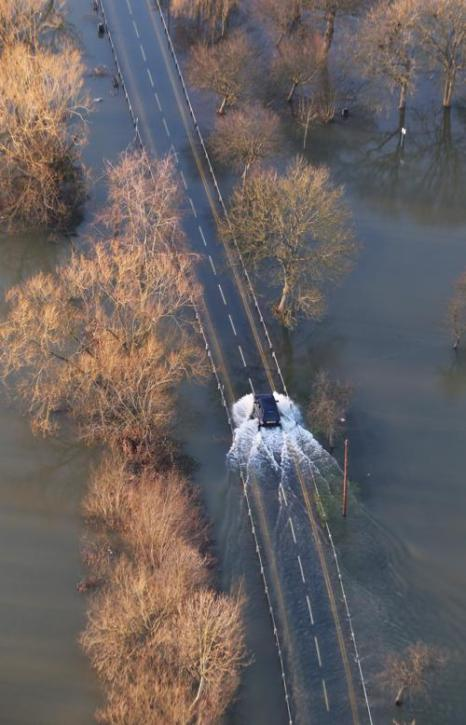 Наводнение на юге Великобритании 16 февраля 2014 года. Фото: Peter Macdiarmid/Getty Images
