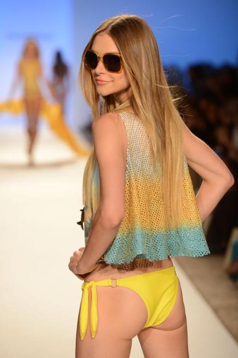 Коллекция пляжных костюмов и купальников от  Cia Maritima на Mercedes-Benz Fashion Week Swim 2013. Часть 2. Фоторепортаж. Фото: Frazer Harrison/Getty Images for Cia Maritima