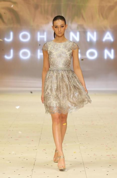 Платья из коллекции Roopa Pemmaraju на Mercedes-Benz Fashion Festival 2012 в Сиднее.  Часть 1. Фоторепортаж. Фото:  Lisa Maree Williams / Getty Images