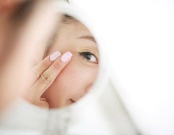 Как избавиться от мешков под глазами? Фото: RunPhoto/Getty Images