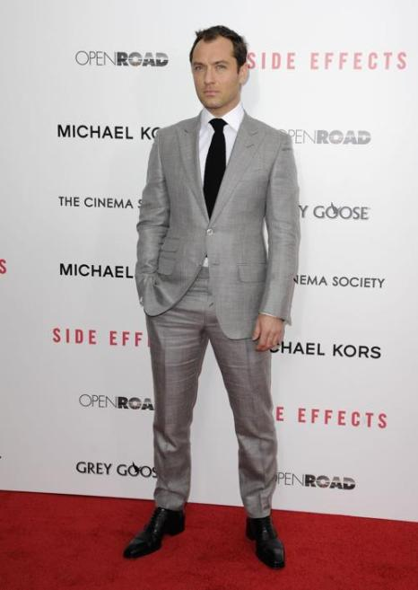 Джуд Лоу на премьере фильма «Побочный эффект» в Нью-Йорке, 31 января 2013 года. Фото: Dave Kotinsky / Getty Images