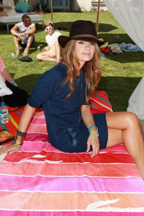 Актриса Стана Катич на фестивале Coachella. Фото: Joe Scarnici / Getty Images for LACOSTE