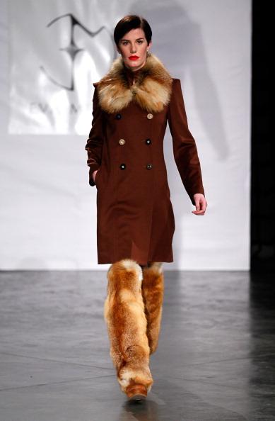 Неделя моды Mercedes Benz Fashion Week 2011 в Нью-Йорке: BCBGMAXAZRIA, 10 февраля   2011,  Линкольн-центр, Нью-Йорк. Фото: Frazer Harrison/Getty Images