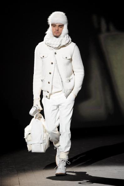 Corneliani: мужская коллекция Осень/Зима 2011, 15 января 2011, Милан, Италия.  Фото: Vittorio Zunino Celotto/Getty Images