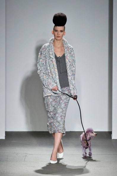 Коллекция Isaac Mizrahi на Неделе моды Mercedes Benz Fashion Week 2011, 17 февраля 2011,  Нью-Йорк. Фото: Stefan Gosatti/Getty Images