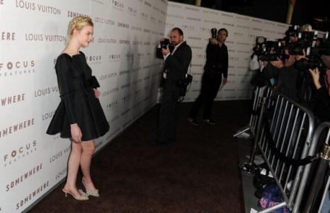 Наряды гостей на премьере фильма Somewhere, 7 декабря, Лос-Анджелес, США.  Фото: Jason Merritt/Getty Images