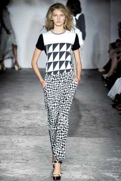 Модные брюки лето 2012 – и необычное обычно. Фото: millionlooks.com