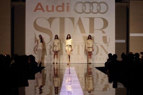 Показ моды на  Audi Fashion Festival в Сингапуре. Фоторепортаж. Фото: Suhaimi Abdullah/Getty Images for Asia Fashion Exchange