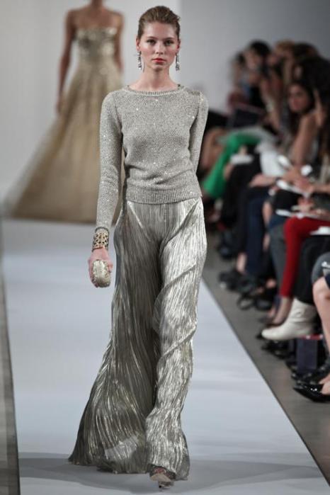 Платья в пол на показе моды Oscar de la Renta Resort 2013 в  Нью-Йорке.  Фоторепортаж. Фото: Thomas Concordia/Getty Images