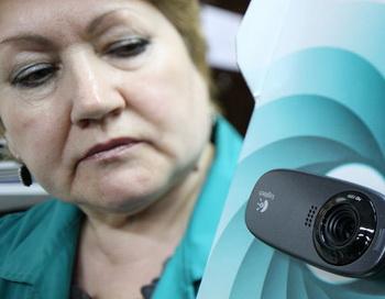 Оборудование видеонаблюдения для избирательных участков. Фото РИА Новости