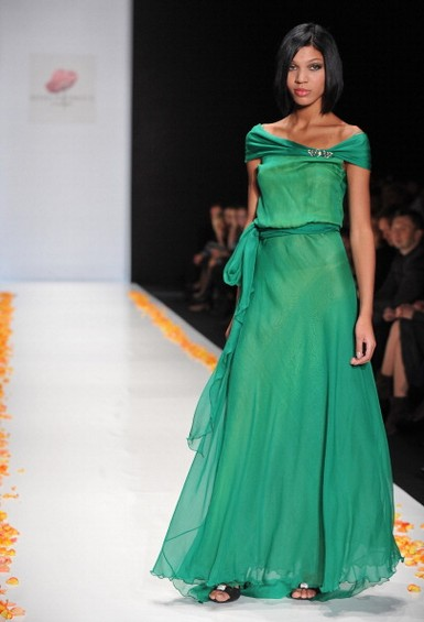 Показ коллекции Елены Супрун в рамках Mercedes-Benz Fashion Week Russia, 2 апреля 2011, Москва, Россия.  Фото: Pascal Le Segretain/Getty Images