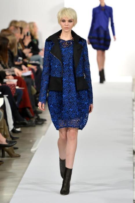 Оскар де ла Рента провёл 11 февраля показ новой линии шикарных платьев и костюмов Oscar De La Renta 2014 в ходе нью-йоркской Недели моды. Фото: Slaven Vlasic/Getty Images
