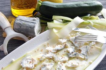 Кабачок под козьим сыром.  Фото: Наталья Орьен/Великая Эпоха/The Epoch Times