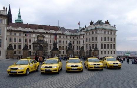 Жёлтое такси. Фото с сайта www.autotri.ru