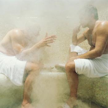 По мнению медиков, у людей регулярно посещающих баню, простудные заболевания встречаются реже. Фото: Michael Edwards/Getty Images