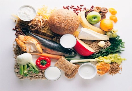 Витамин B6 содержится в зерновых ростках, грецких орехах, фундуке, шпинате, картофеле, моркови, цветной и белокочанной капусте, помидорах, сладком перце, грибах, зелени, тунце, треске, индейке и курице. Фото: krsk.sibnovosti