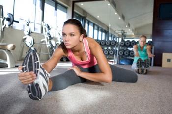 Для сжигания жиров в тренировке должно быть задействовано не менее 2/3 мышц организма. Фото: B2M Productions/Getty Images