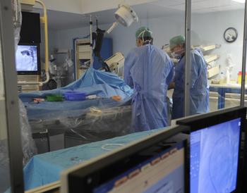 Искусственное сердце пересадили 16-месячному малышу. Фото: ANNE-CHRISTINE POUJOULAT/Getty Images