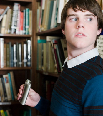 Что студенты смогут выучить в университетах, если продолжат поиск «истины в вине»? Фото: Image Source/Getty Images