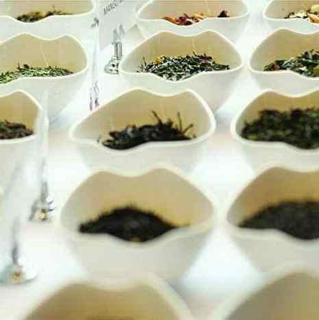 Китайские чайные напитки от холода и усталости. Фото: Matthew Little/Epoch Times